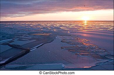 Evening sunset in the Arctic Sea