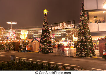 christmas market at kurf?rstendamm