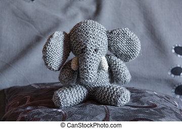 Elephant toy-3