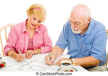 Voting - Seniors Mark Ballots